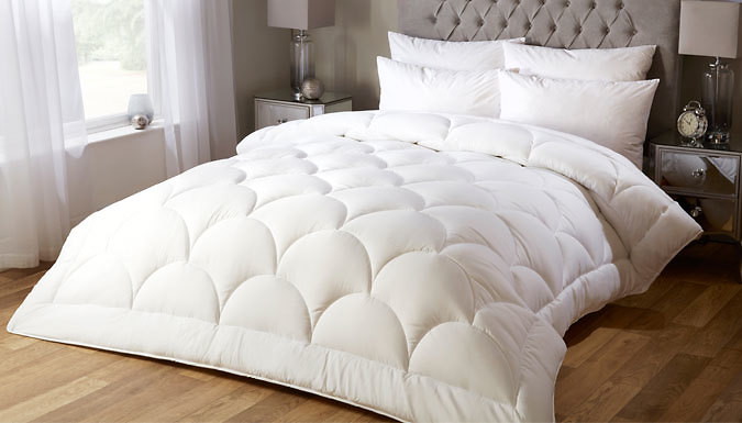 10.5 Tog Soft Silk Feel Summer Duvet - 4 Sizes